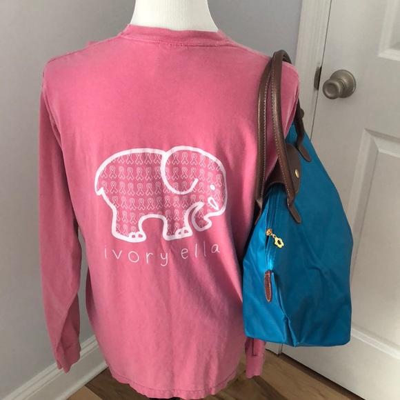 4711cc33dc837 ivory ella Tops - 🐘 Ivory Ella T-shirt + bonus vinyl Tote